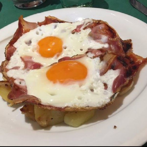 Fried Eggs with smoked ham and Ampezzo-Style potatoes